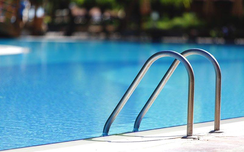 replacing pool liner